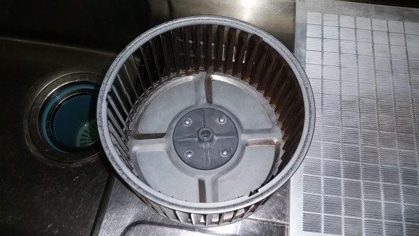 江東区キッチン換気扇クリーニング