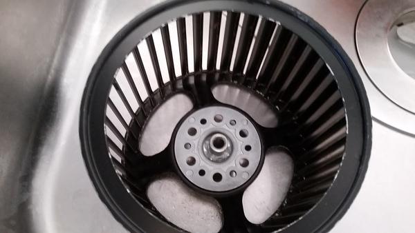 ハウスクリーニング 江東区 キッチン換気扇掃除